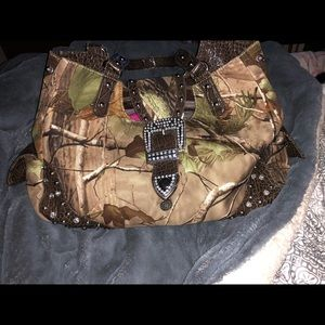 Handbags - REALTREE APG Camo Handbag